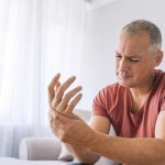 What causes finger numbness?