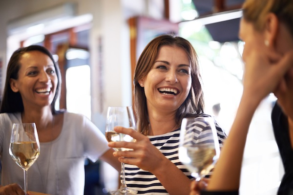 socialising with friends, ways to improve brain health, by healthista.com